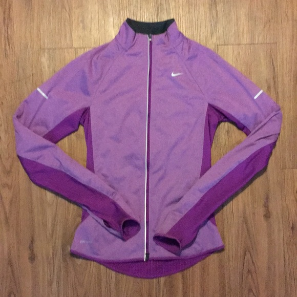 80f8dd06c7bb Nike Women Fitted Jacket XS Purple Element Shield.  M 5a9c166e9d20f0c1d6f8e962
